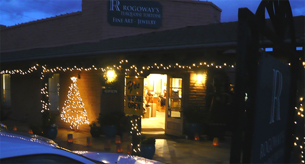 Luminaria Nights at Rogoway Gallery